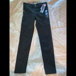 Levi's on the move skinny jeans brand new with tag